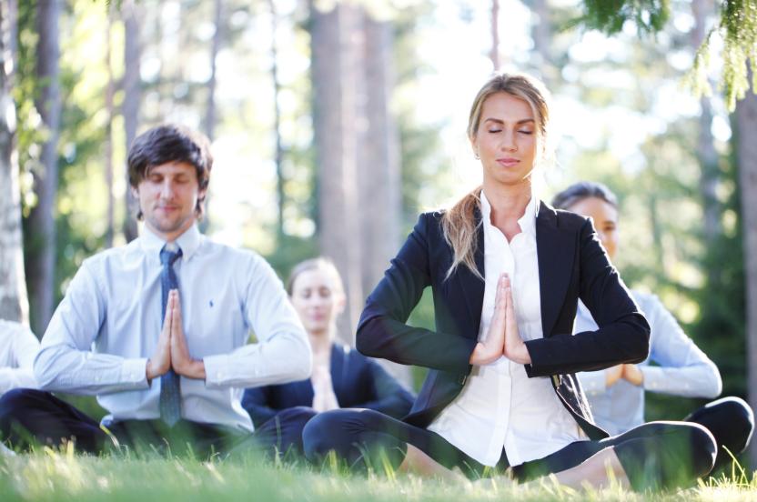 Yoga Tegernsee Business Event Achtsamkeitsübungen Meditation Unternehmen Seminare Kongresse Tagungen